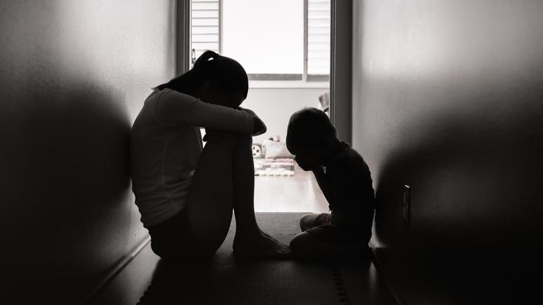 Eine Mutter tötete den Vergewaltiger ihres Sohnes.