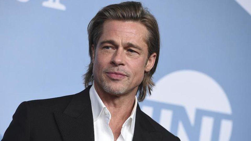 Brad Pitt wird bei der Trophäenvergabe helfen. Foto: Jordan Strauss/Invision/AP/dpa/Archiv
