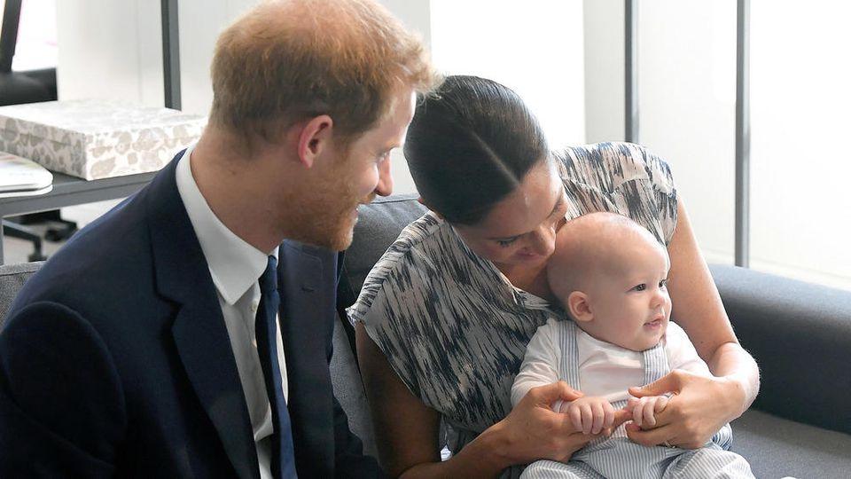 Prinz Harry, Herzogin Meghan und der kleine Archie während ihrer Afrikareise