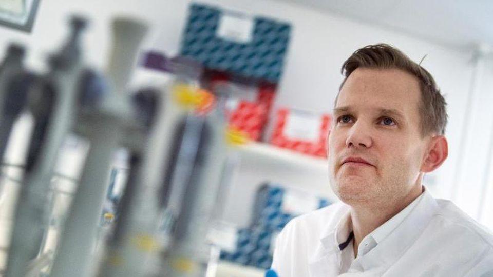 Hendrik Streeck, Direktor des Institut für Virologie an der Uniklinik in Bonn. Foto: Federico Gambarini/dpa