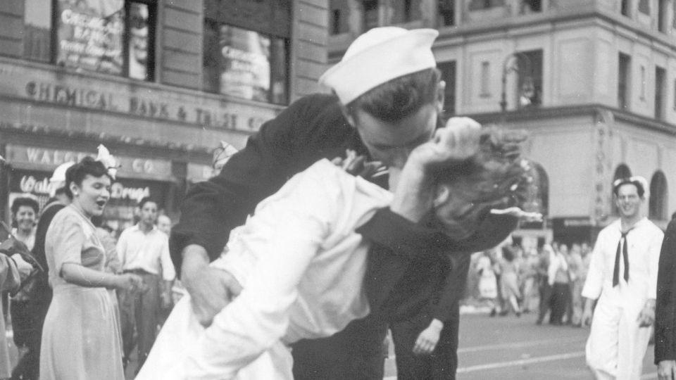 George Mendosa, der küssende Matrose vom Times Square, starb im Alter von 95 Jahren.