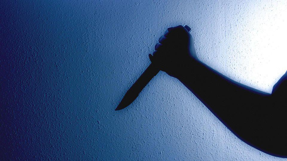 Ein 15-jähriger Schüler aus Bochum hat nach einem Messerangriff so große Angst, zur Schule zu gehen, dass sein Arzt ihn krankgeschrieben hat (Symbolbild).