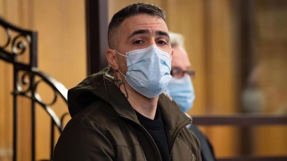 Anis Mohamed Youssef Ferchichi, bekannt unter dem Künstlernamen Bushido, sitzt im Gericht. Foto: Paul Zinken/dpa-Zentralbild/dpa/Archivbild