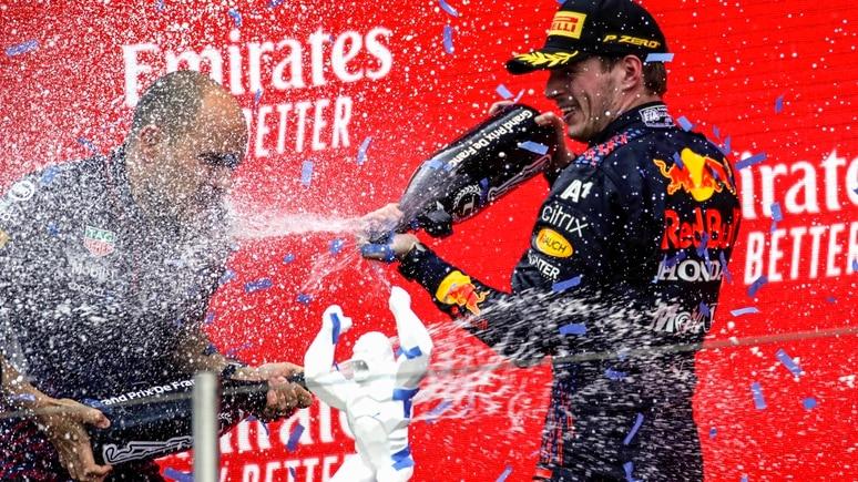 Max Verstappen (r.) gewann den Frankreich-GP vor seinem WM-Rivalen Lewis Hamilton