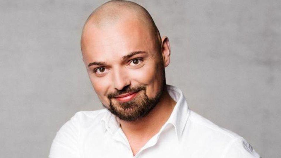 Niklas Schröder hat jetzt ein Gesichtstattoo