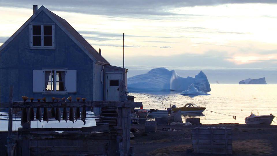 Die Erderwärmung führt dazu, dass die entlegenen Dörfer sowie die Fisch- und Jagdgebiete der Inuit noch schwerer erreicht werden.