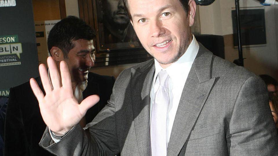 Mark Wahlberg nutzt die Corona-Quarantäne und spielt mit seiner Tochter.