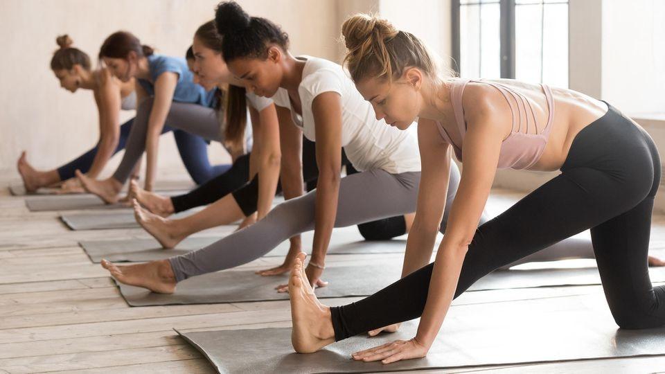 Mit der Zeit muss jede Yogamatte mal gereinigt werden