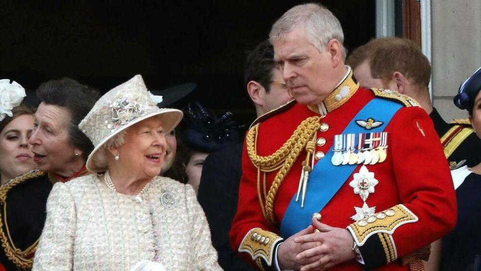Prinz Andrew galt immer als der Lieblingssohn von Queen Elizabeth II.