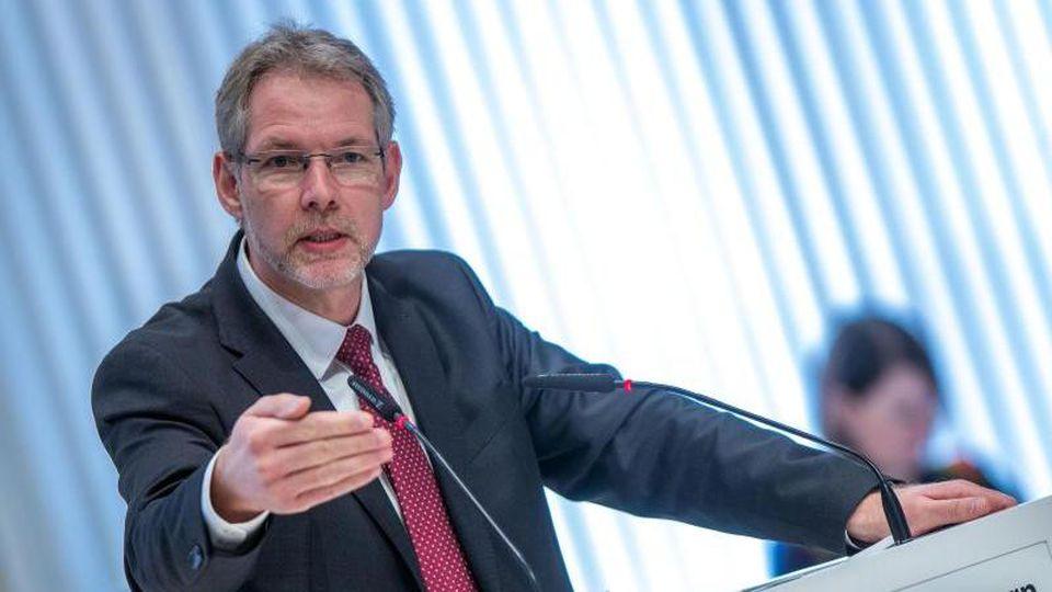 Der Fraktionsvorsitzende der SPD im Landtag von Mecklenburg-Vorpommern, Thomas Krüger. Foto: Jens Büttner/dpa/Archivbild