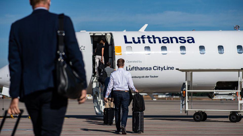 Mit einem Pilotprojekt versucht Lufthansa, mehr Flugverkehr auf interkontinentalen Strecken zu ermöglichen.