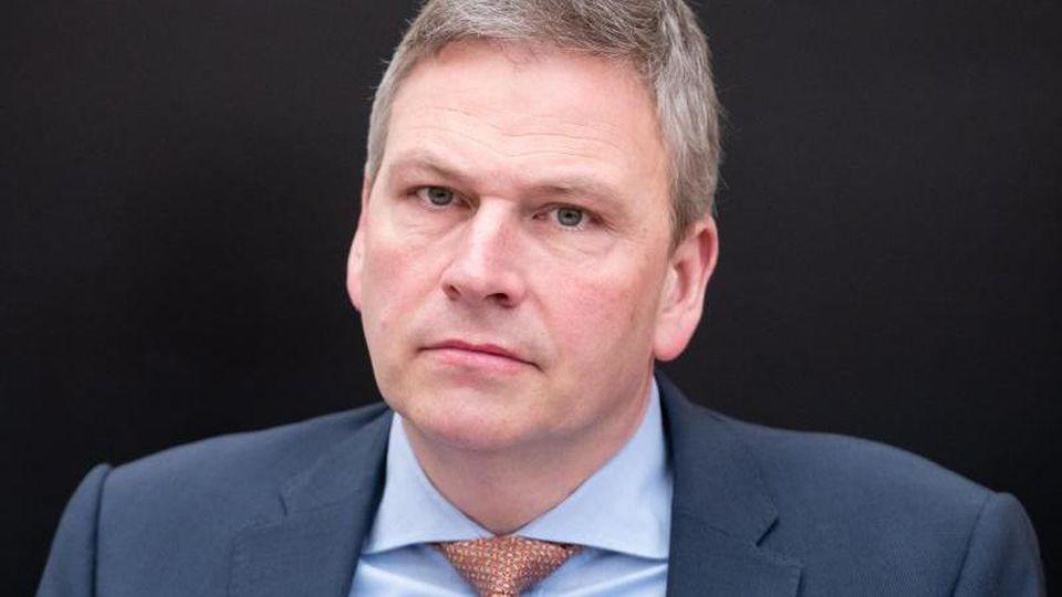 Peter Strobel (CDU), Minister für Finanzen des Saarlandes. Foto: Oliver Dietze/dpa/Archivbild