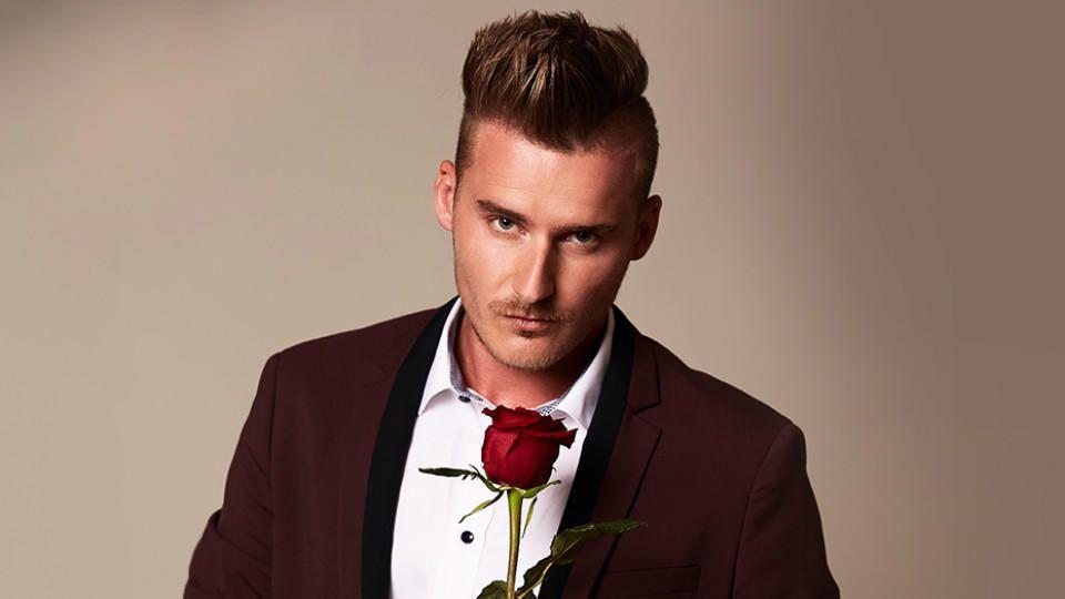 """Vadim kann die Bachelorette nicht für sich gewinnen und scheidet in der ersten """"Nacht der Rosen"""" aus."""