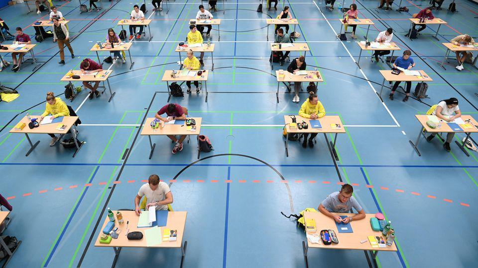 In Niedersachsen starten die Abitur-Prüfungen mit dem Fach Geschichte.