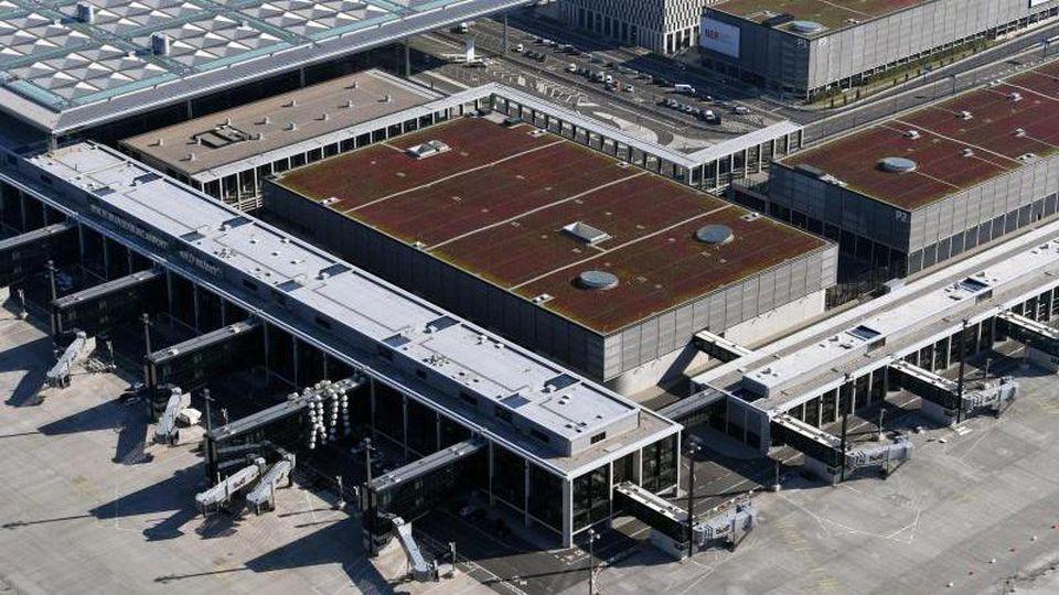 Blick auf den künftigen Hauptstadtflughafen BER. Foto: Ralf Hirschberger/dpa-Zentralbild/dpa/Archivbild