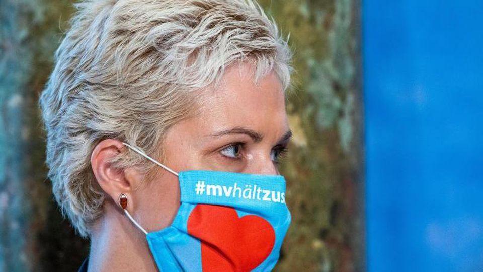 Manuela Schwesig (SPD) mit Schutzmaske. Foto: Jens Büttner/dpa-Zentralbild/dpa/Archivbild