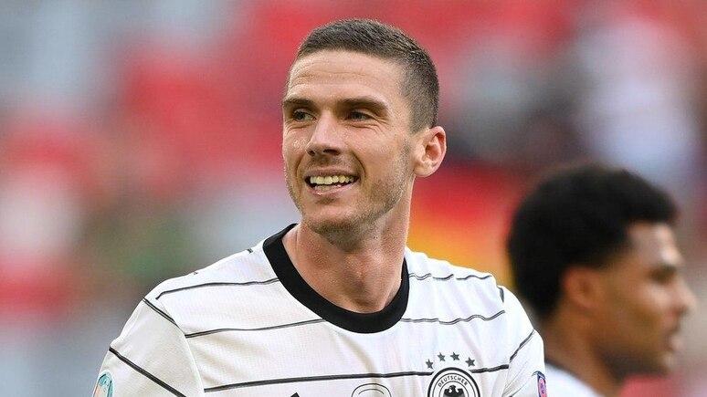Robin Gosens beweist aktuell als Spieler der deutschen Nationalmannschaft sein fußballerisches Können.