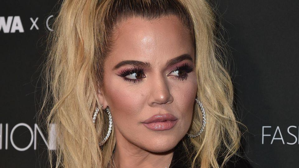 Khloé Kardashian bekommt für ihre Nägel ganz schön Gegenwind.