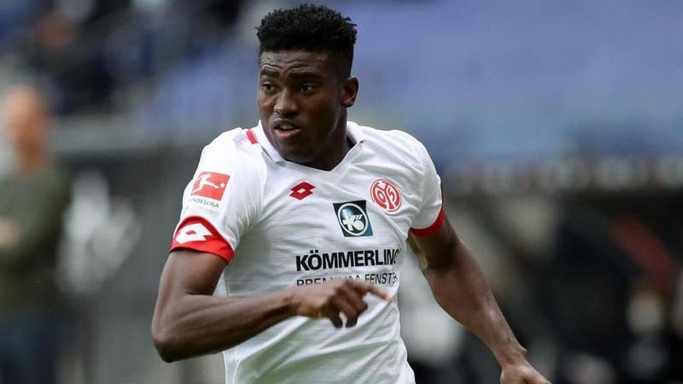 Taiwo Awoniyi im Spiel für den 1. FSV Mainz 05. Foto: Alexander Hassenstein/getty/Pool/dpa/Archiv