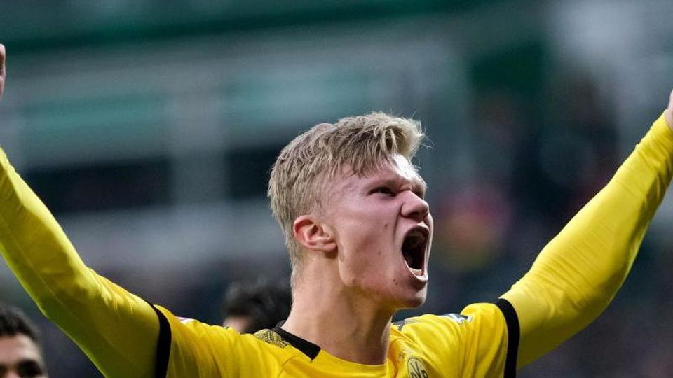 Borussia Dortmund hofft gegen den SC Freiburg wieder auf eine Tore-Gala von Erling Haaland. Foto: Peter Steffen/dpa