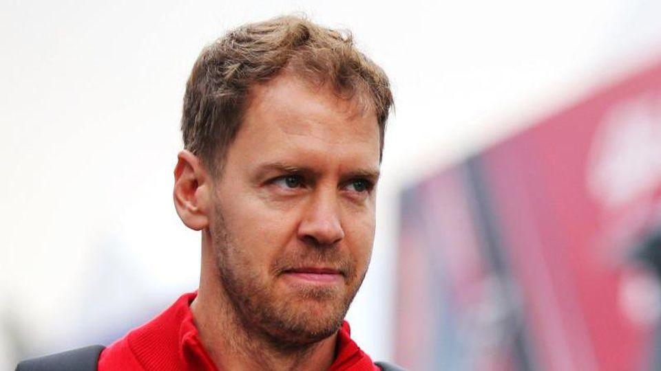 Skeptischer Blick:Sebastian Vettel und seine Kollegen starten in Spielberg in die Saison. Foto: Photo4/Lapresse/Lapresse via ZUMA Press/dpa
