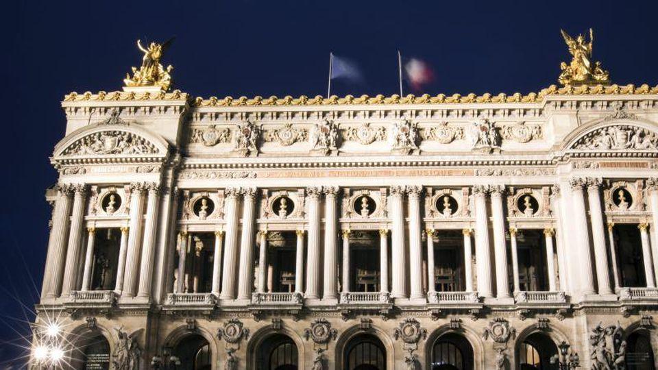 Die Pariser Oper feiert mit viel Pomp ihr 350-jähriges Bestehen. Foto: Etienne Laurent/epa