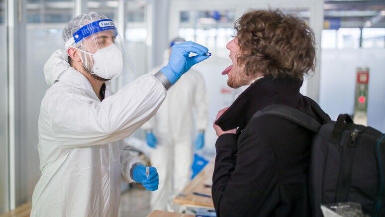 Coronavirus - Kontrollen am Flughafen
