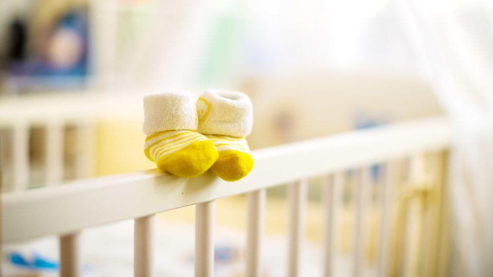 Eine Fehlgeburt ist ein traumatisches Erlebnis für werdende Eltern.