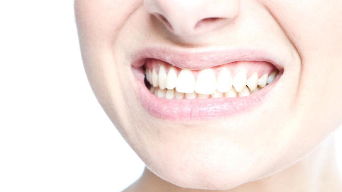 Zähne putzen mit Natron: Gute oder schlechte Idee?