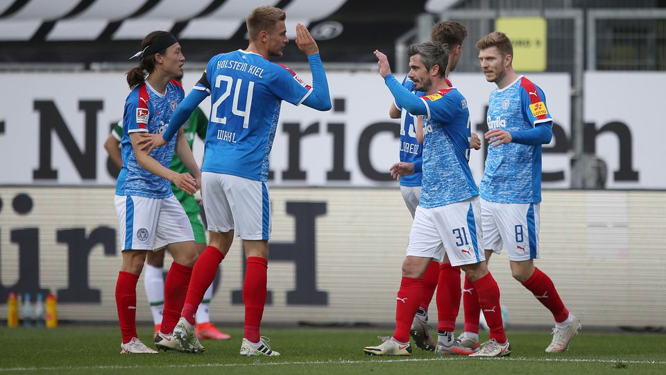 Holstein Kiel v Hannover 96 - Second Bundesliga