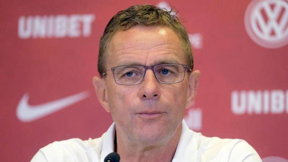 Ralf Rangnick, Fußballchef vom RBLeipzig, nimmt an einer Pressekonferenz teil. Foto: Sebastian Willnow/zb/dpa/Archivbild