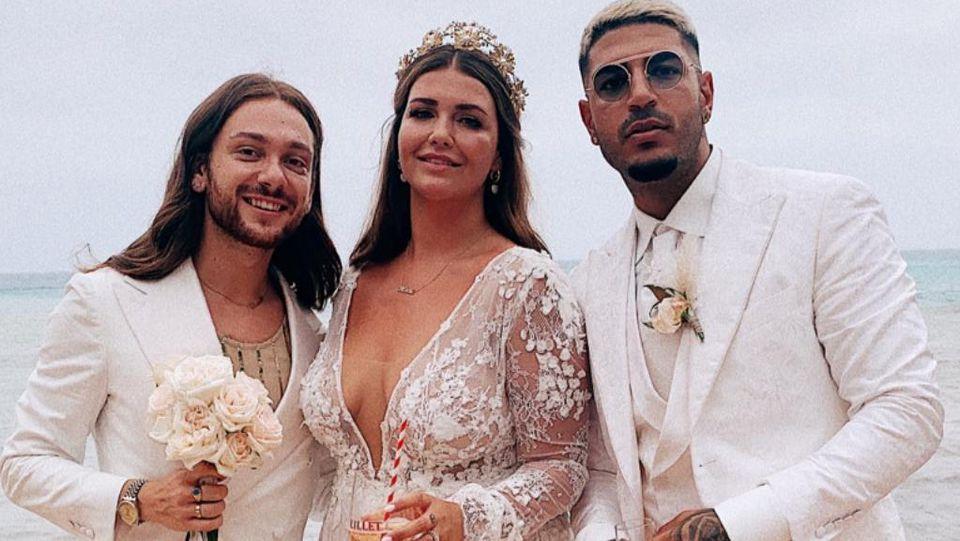 Riccardo Simonetti mit dem Brautpaar.