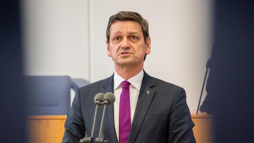 Christian Baldauf spricht im Landtag von Rheinland-Pfalz. Foto: Andreas Arnold/dpa/Archivbild