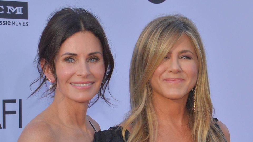 Courteney Cox und Jennifer Aniston sind langjährige Freundinnen.