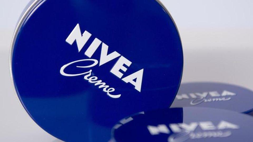 """Zu den Hauptträgern des Beiersdorf-Wachstums in der Pflegesparte gehört unter anderem die """"Nivea-Creme"""". Foto: Lukas Schulze"""
