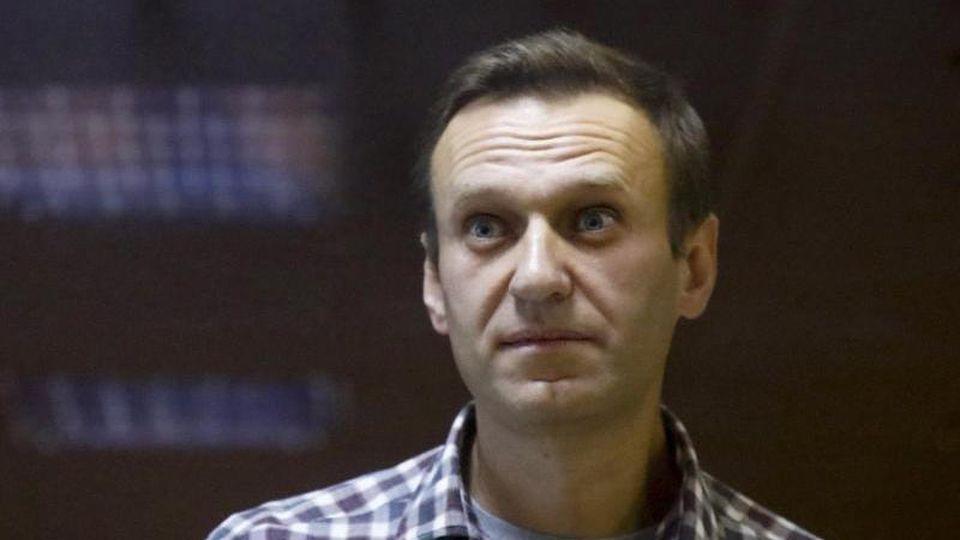 Die russischen Behörden hatten davor gewarnt, an den nicht genehmigten Protesten für Kremlgegner Nawalny teilzunehmen. Viele Russinnen und Russen hielt das nicht ab - wie hier in St. Petersburg. Foto: Dmitri Lovetsky/AP/dpa