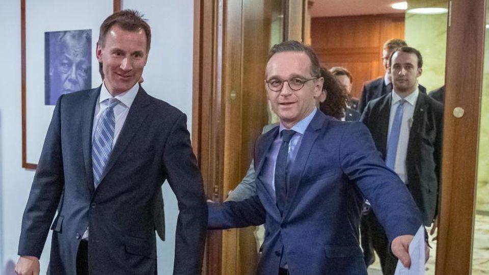 Bundesaußenminister Heiko Maas und sein britischer Amtskollege Jeremy Hunt (l) in Berlin. Foto: Michael Kappeler