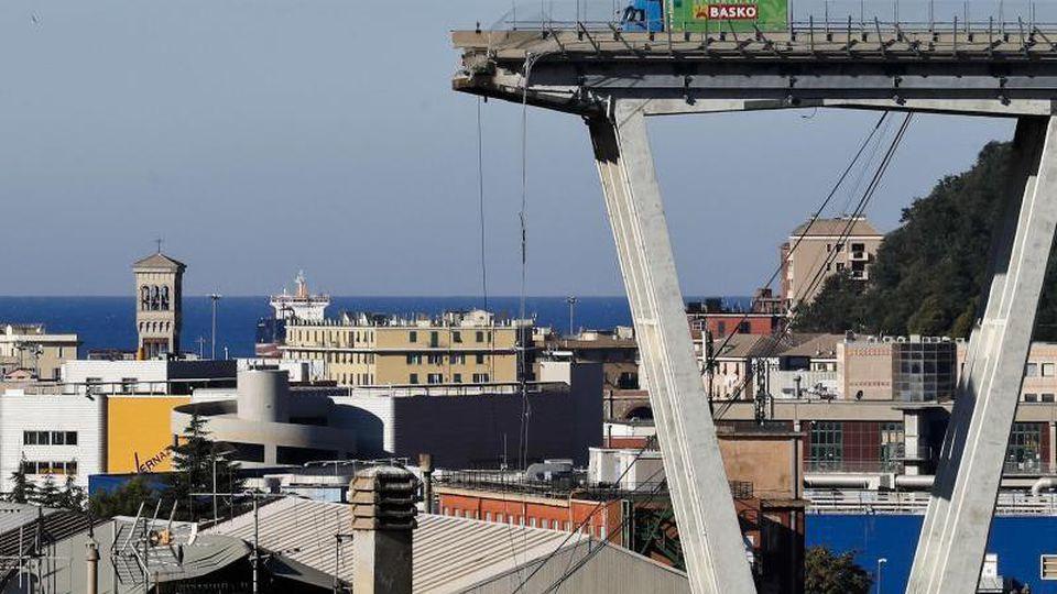 Nach der Genua-Katastrophe vor mehr als einem Jahr hatte die Polizei auch andere Autobahnbrücken aus dem Autostrade-Netz unter die Lupe genommen. Foto: Antonio Calanni/AP/dpa