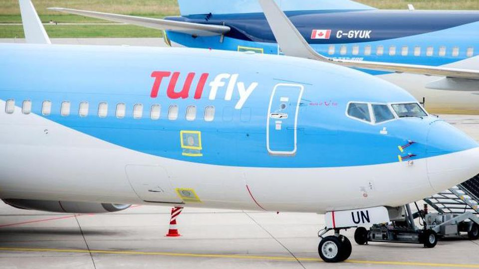Das TUIfly-Logo ist auf Maschinen der Fluggesellschaft zu sehen.