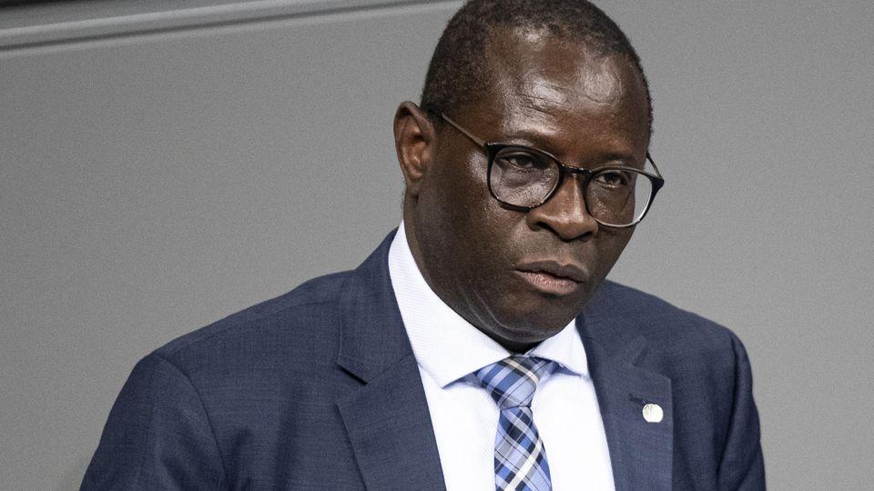 Der SPD-Bundestagsabgeordnete Karamba Diaby aus Halle hat eine Morddrohung erhalten.