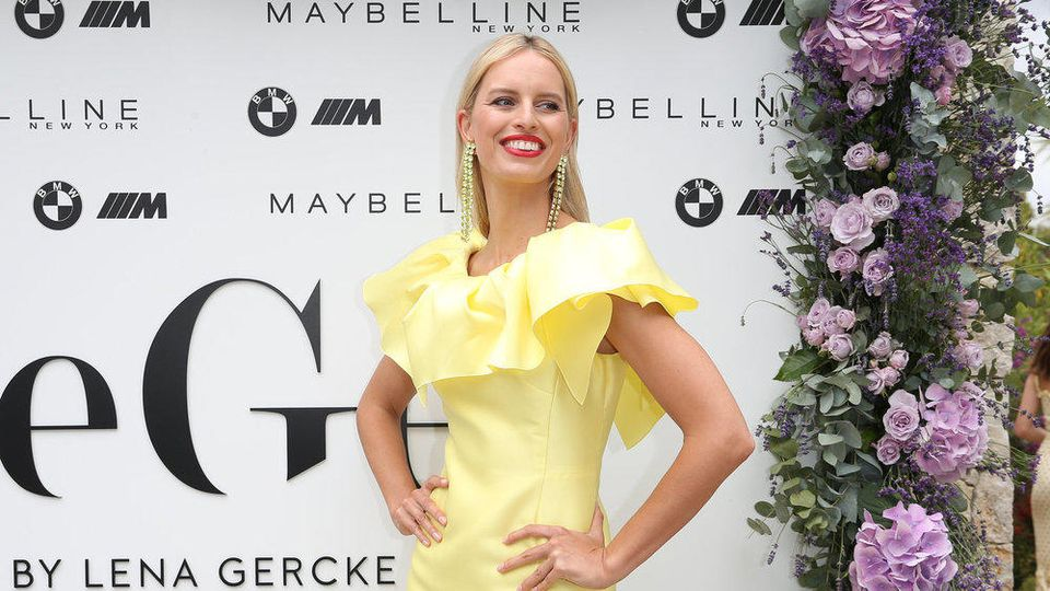 Karolina Kurkova in Cannes