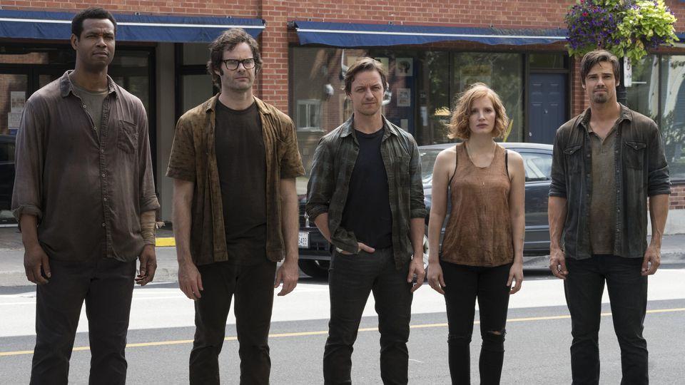 Mike Hanlon (Isaiah Mustafa), Richie Tozier (Bill Hader), Bill Denbrough (James McAvoy), Beverly Marsh (Jessica Chastain) und Ben Hanscom (Jay Ryan).