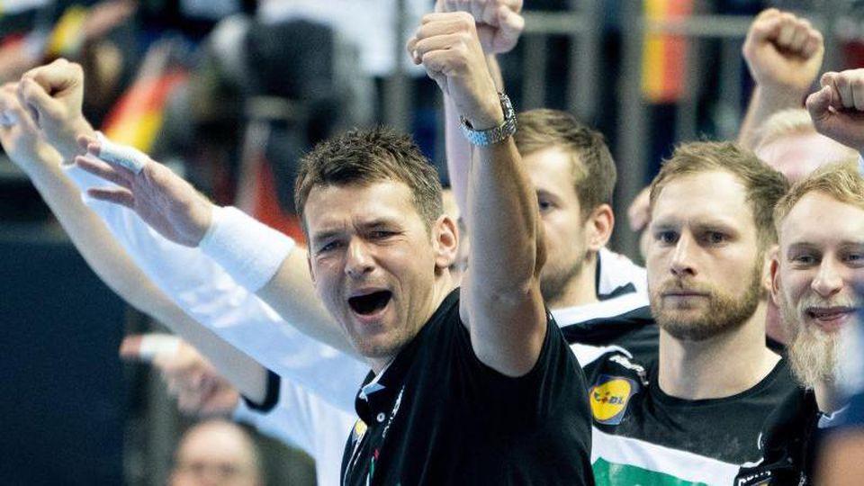 Auch Bundestrainer Christian Prokop ist von der Leistung seines Teams begeistert. Foto: Kay Nietfeld