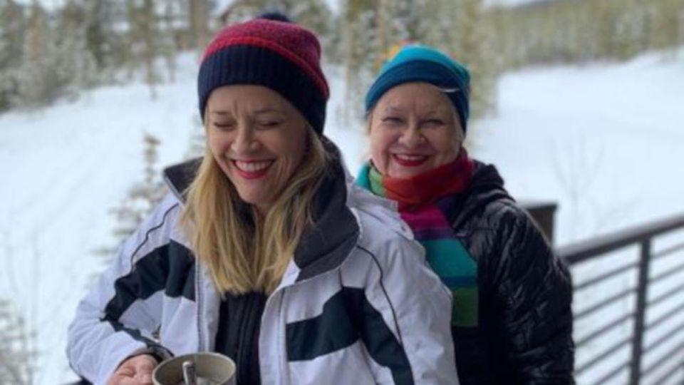 Reese Witherspoon mit Mutter Betty im Ski-Urlaub