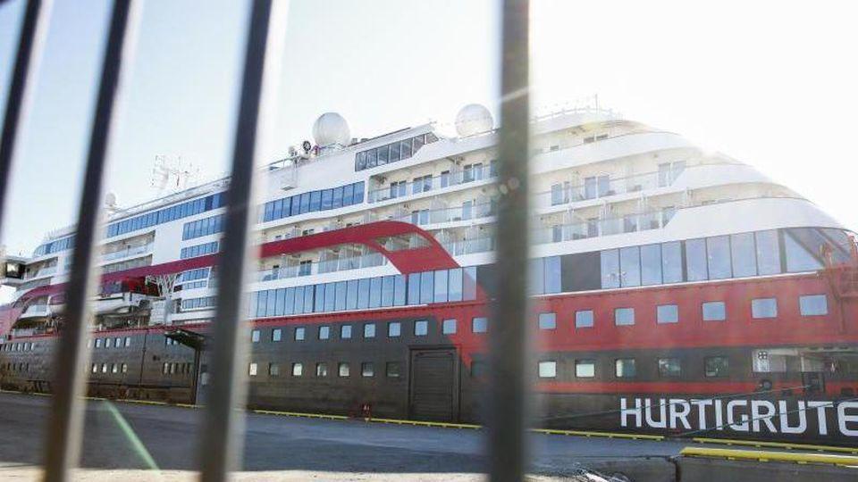 """Auf dem Kreuzfahrtschiff """"MS Roald Amundsen"""" hat es mehrere Corona-Fälle gegeben. Foto: Terje Pedersen/NTB scanpix/dpa"""