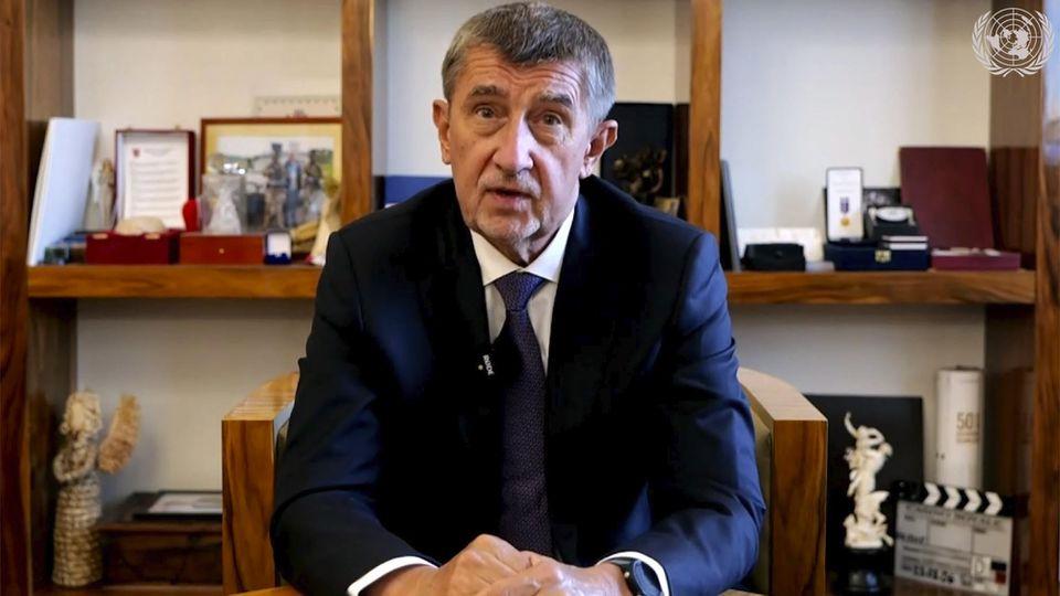 Der tschechische Regierungschef plant kurz vor den Regionalwahlen einschneidende Maßnahmen.