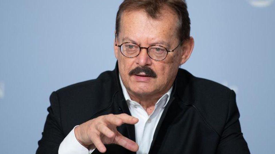 Michael Albrecht, Medizinischer Vorstand des Universitätsklinikums Dresden. Foto: Sebastian Kahnert/dpa-Zentralbild/dpa/Archivbild