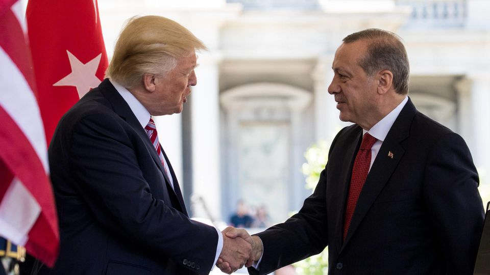 May 16, 2017 - Washington, DC, United States - President Trump welcomed President Recep Tayyip Erdogan of Turkey, at the West Wing Portico (North Lawn) of the White House, On Monday, May 16, 2017. Washington United States PUBLICATIONxINxGERxSUIxAUTxO