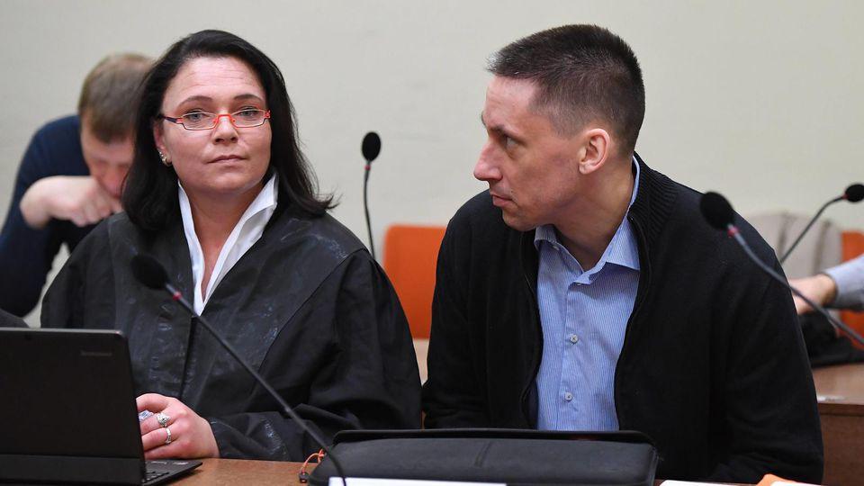 Angeklagter Ralf Wohlleben neben einer Anwältin