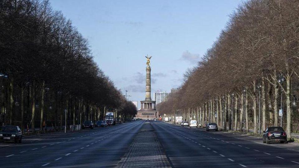 Die verkehrsfreie Straße des 17. Juni an der Siegessäule. Foto: Paul Zinken/dpa/Symbolbild